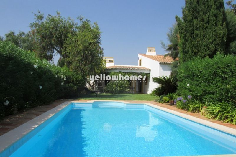 A unique and charming 3-bed villa with annex and a private pool near Guia